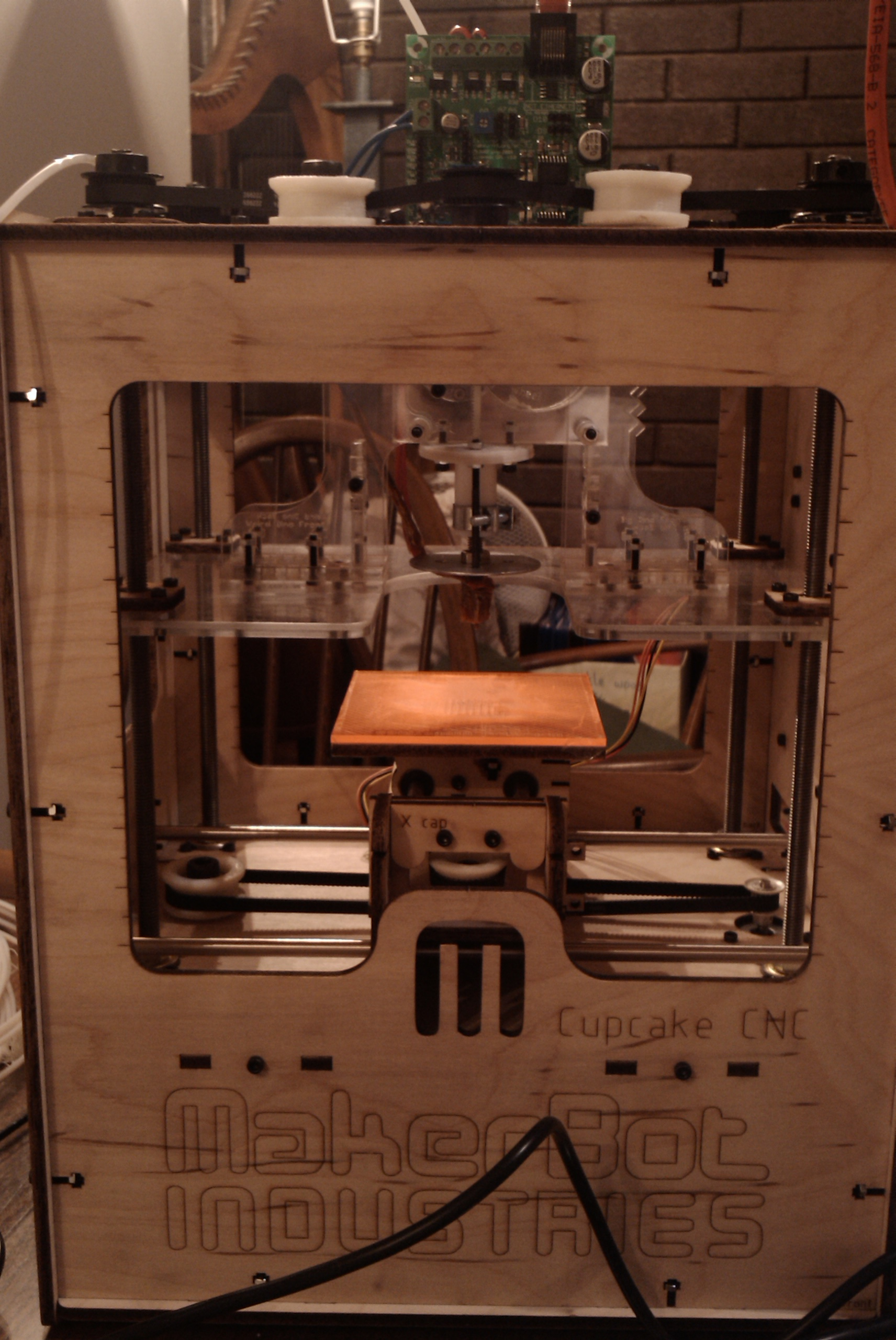 Showing all the Juicy bits of the Plastruder in the Makerbot case